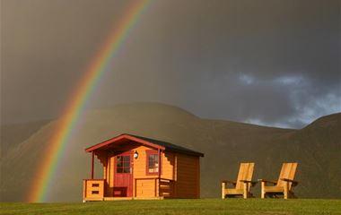 Campingplass & hytter ved stranden på Stave