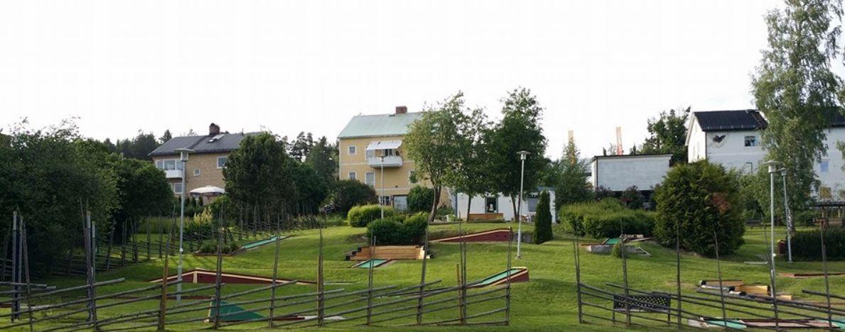 Fränstaparken- bangolf och café