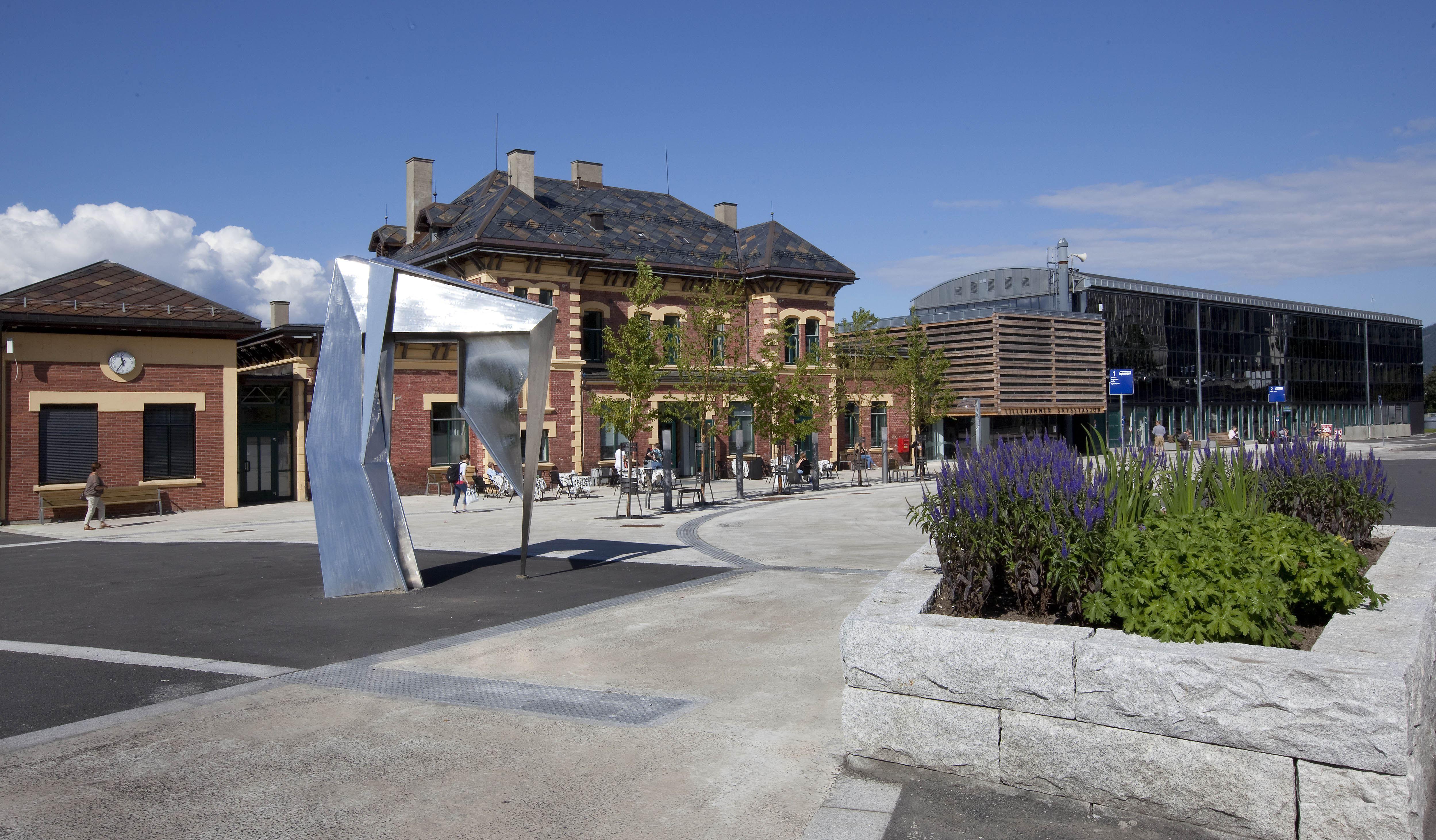 Lillehammer Vandrerhjem/Stasjonen Hotell