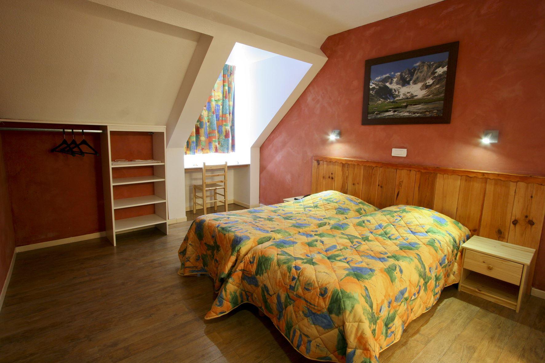 HPCV4 - Village Vacances 3* à Cauterets - Chambre double