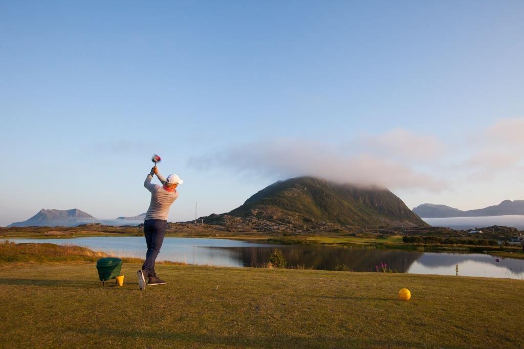 Spill golf i Lofoten i sommer!