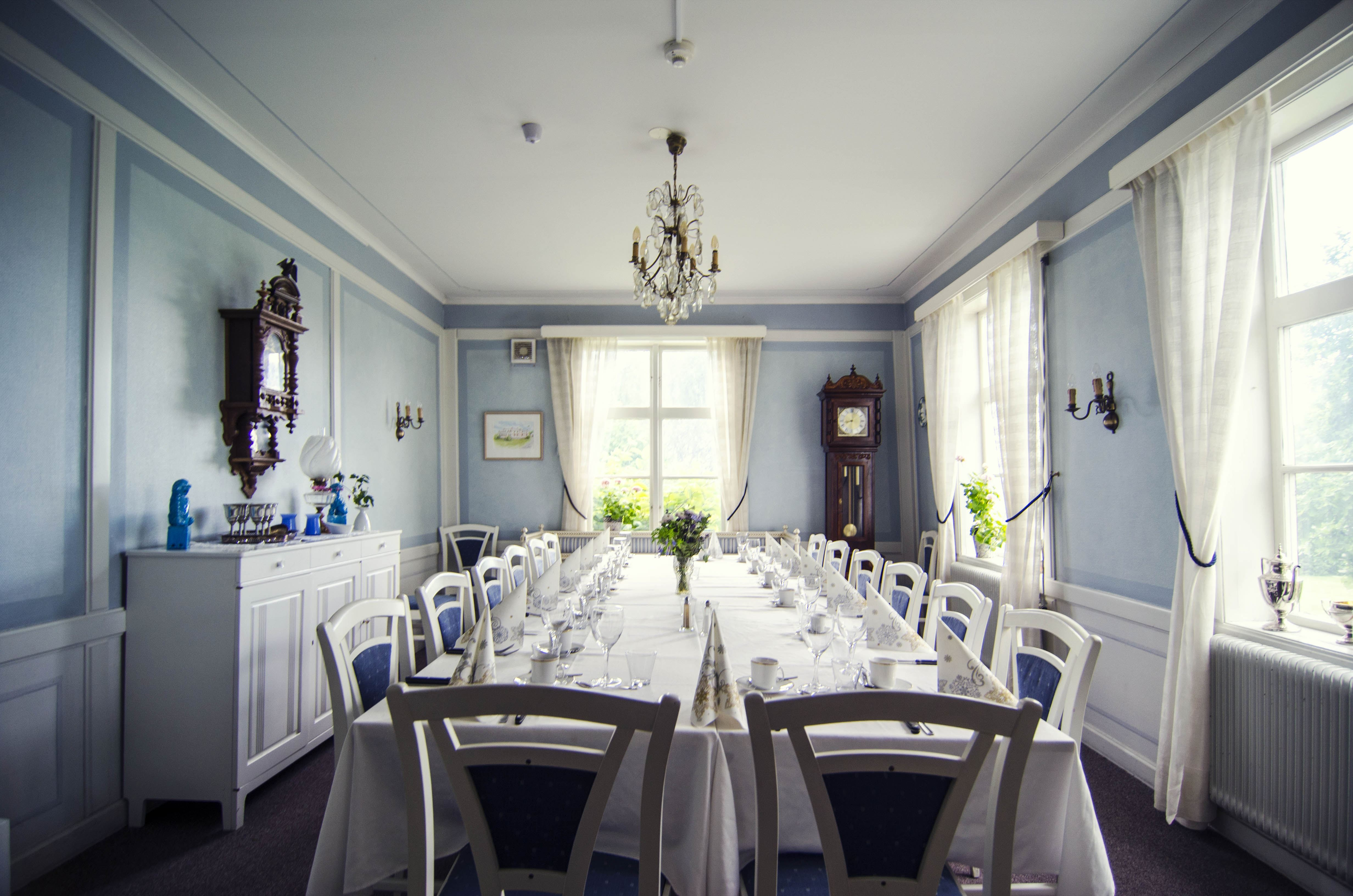 Levar Hotell, Restaurant