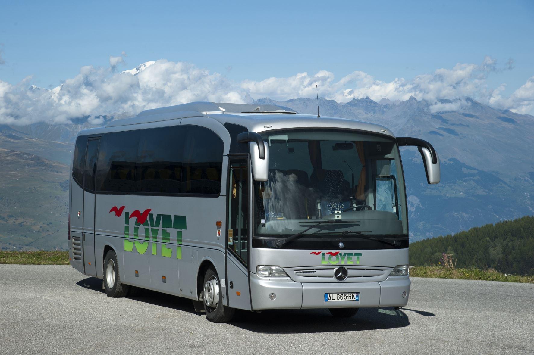 TRANSFERT EN BUS LE DIMANCHE GENEVE AEROPORT - VAL THORENS - 58€ PAR BILLET