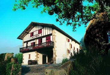 Visite guidée de la Maison Basque de Sare