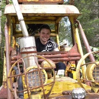 Foto: Johanna Almström och Ola Viklund, Richard som kör traktor