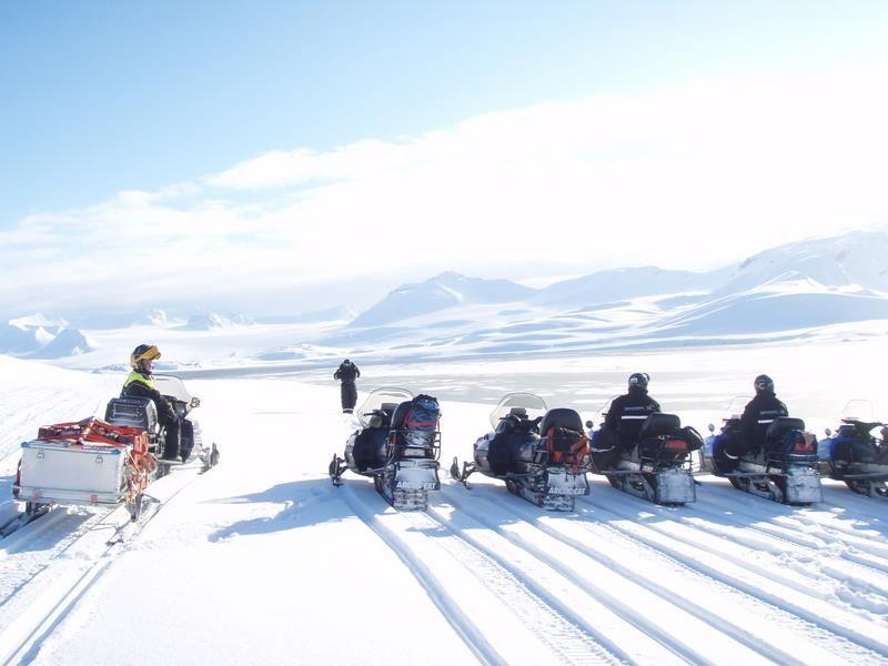 Schneemobil Safari im Reich der Eisbären - Spitzbergen (5 Tage) - Nordic Safari
