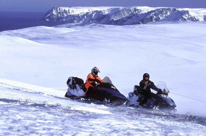 Snowmobile safari Mehamn to the alps of Lyngen (4-5 days) - Nordic Safari