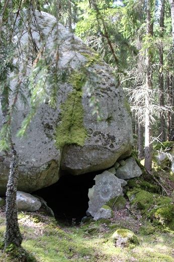 Dackes Grotta i Strömsberg
