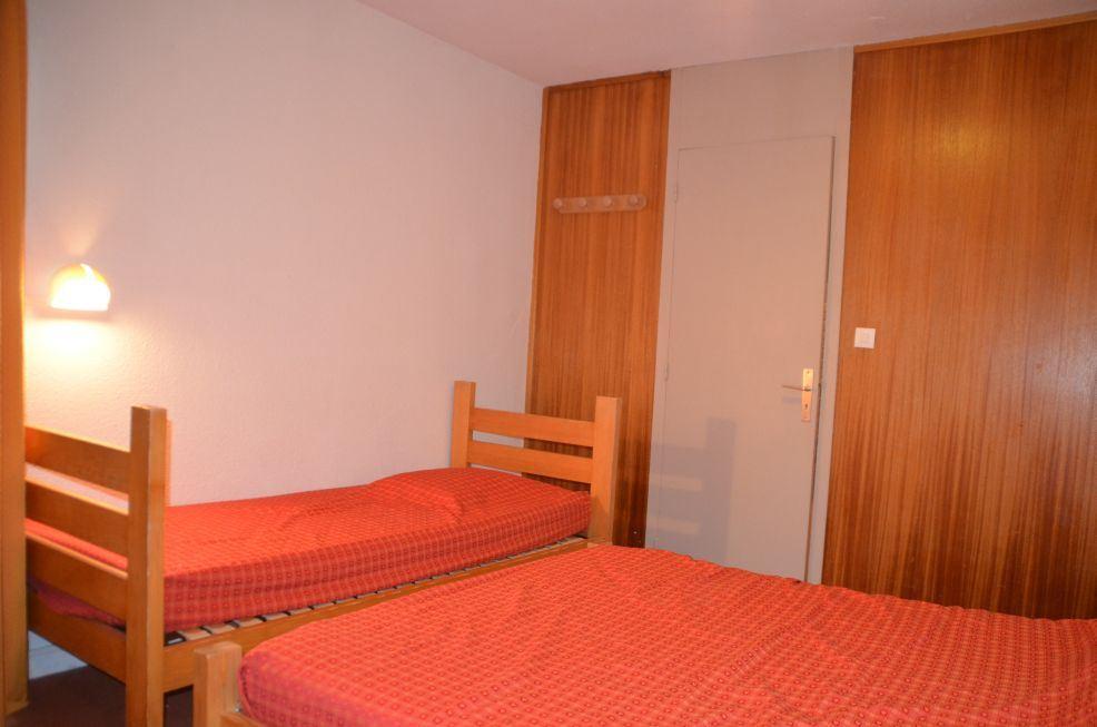 2 Rooms 6 Pers ski-in ski-out / CARON 1013