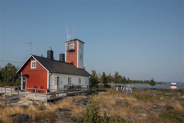 Andreas Nilsson,  © Lotshuset, vandrarhem vid havet öppet sommar-höst