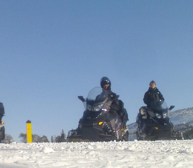 © Helge Stærk, Kirkenes Snowhotel Snowmobilesafari 4 hours
