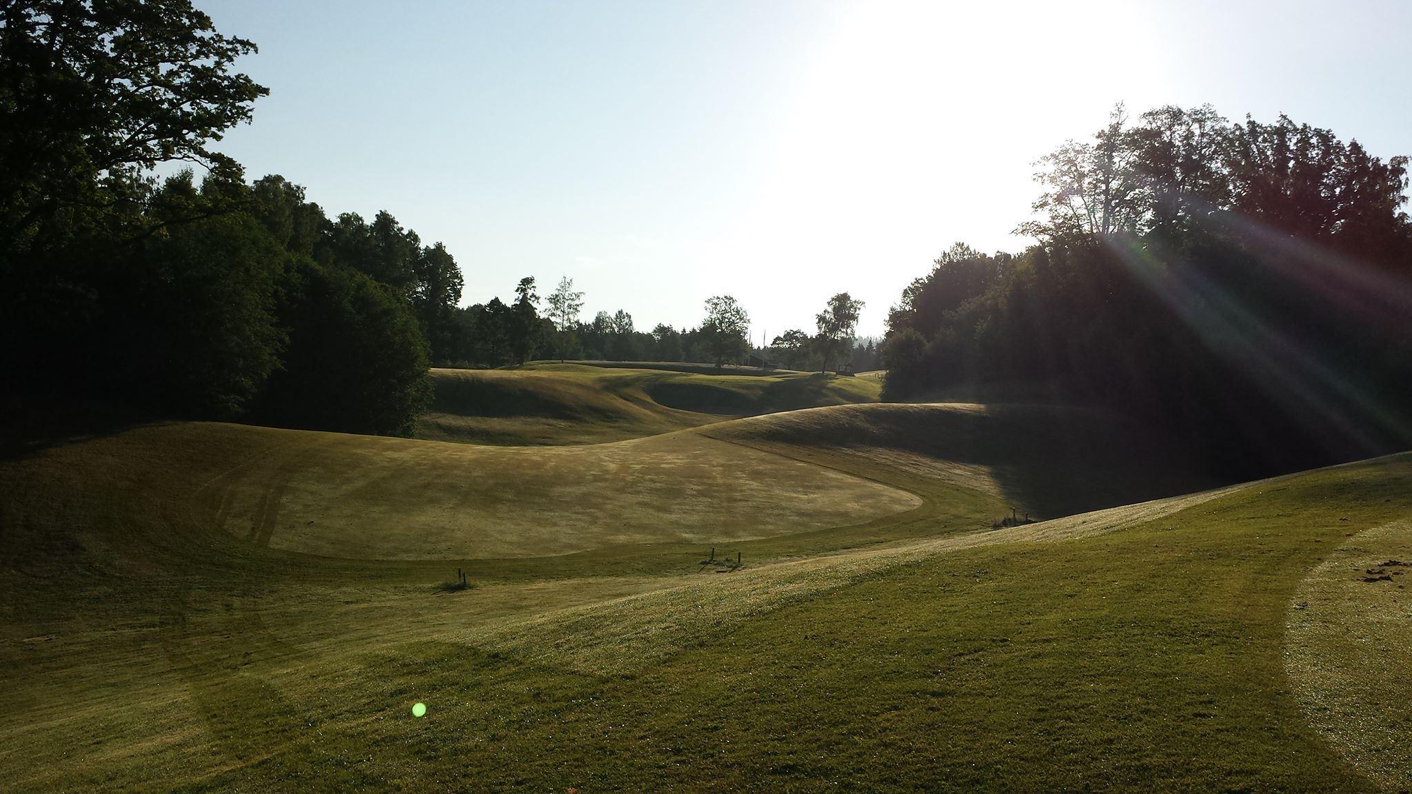 A6 Golf Club