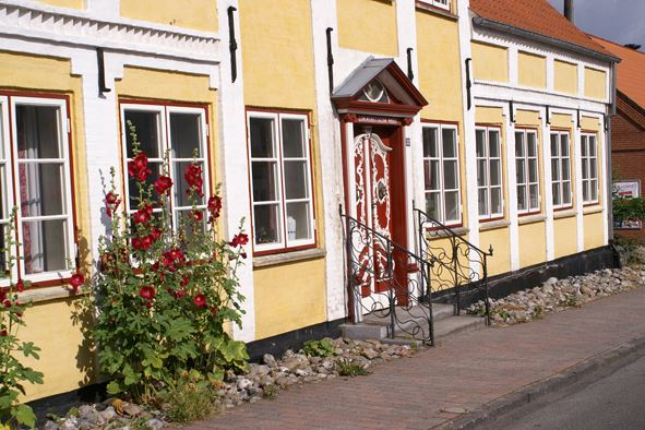 Guided town walk through Nordborg