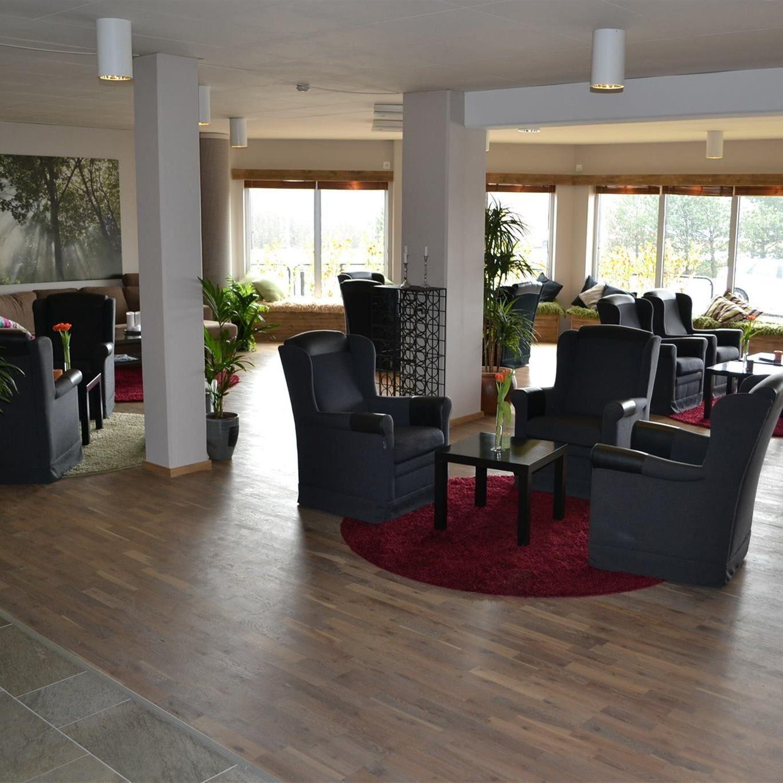 © Dahls Hotell, Allrum med reception