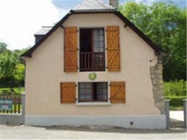 © © , HPG127 - Grange mitoyenne rénovée en Val d'Azun