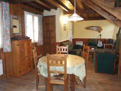 © © , MVA28 - Appartement dans maison de village avec cheminée