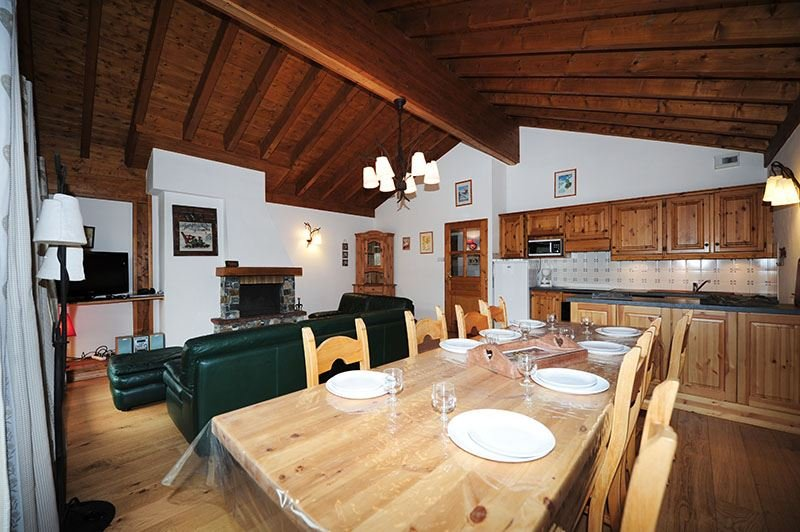 5 Rooms 8 Pers ski-in ski-out / SAPINIERE 10