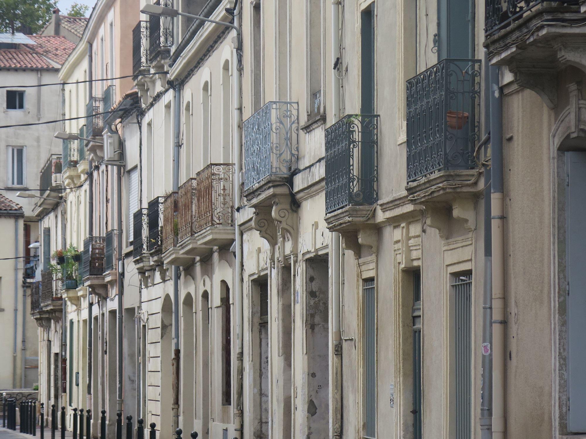Visita del centro ciudad adaptada – ACCESIBLE, discapacidad motor (visita en francés)