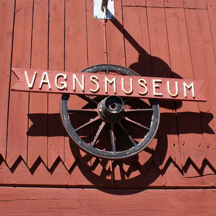 Tranås Vagnsmuseum skylt.