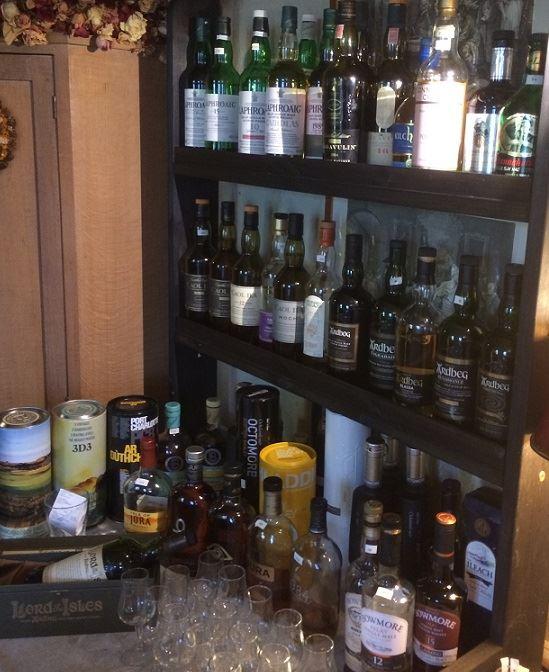 Johan Palmborg, Delar av vårt whiskysortiment på över 180 sorter.