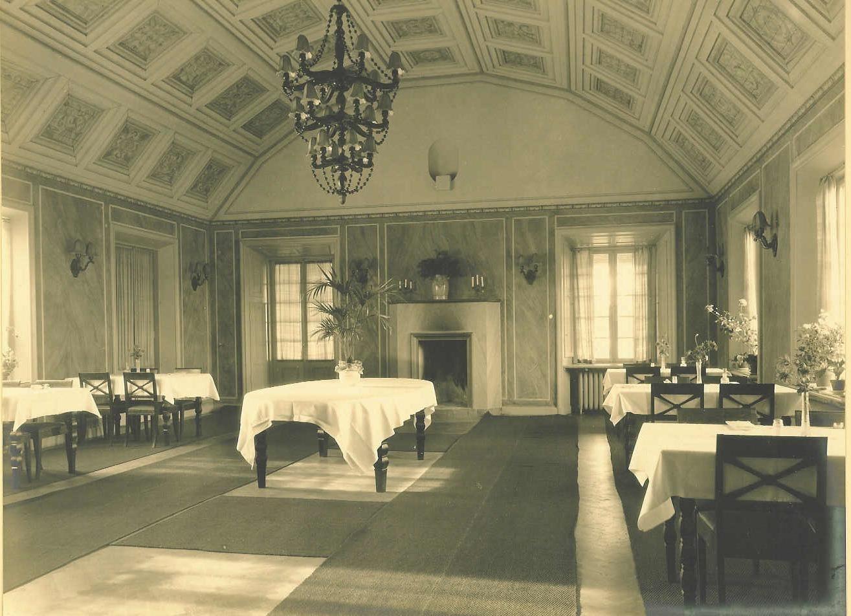 Wärdshuset 1919, historen är närvarande på Wärdshuset. många detaljer är kvar sedan 1919. Det är lite så vi vill bära vår tradition.