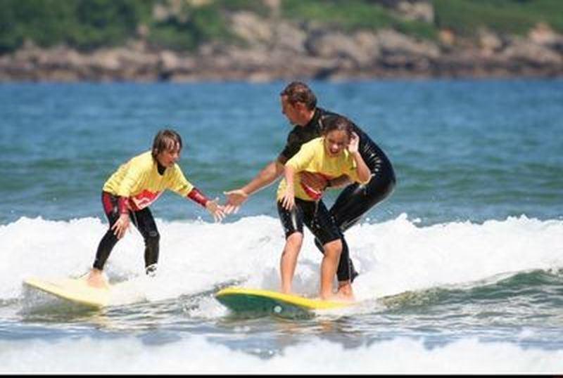Ecole de surf Hendaia à Hendaye : Stages de surf