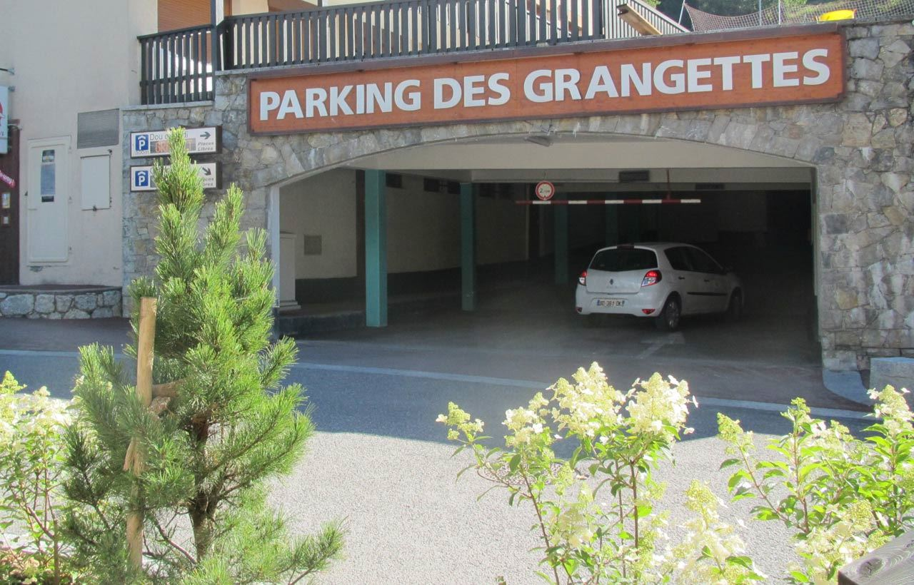 PARKING DES GRANGETTES - COURCHEVEL VILLAGE (1550)