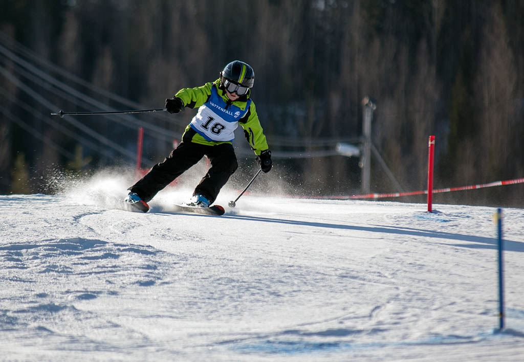 Tomas Henriksson, Tävling i Edsbybacken