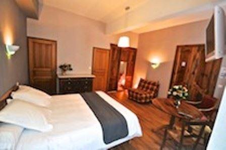 HPH61 - Hôtel de caractère paisible et confortable