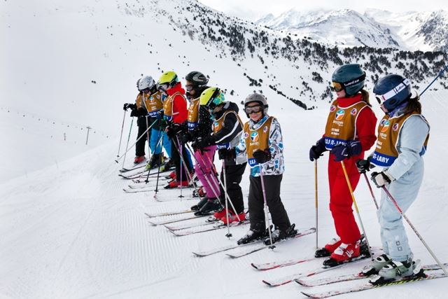 COURS COLLECTIFS SNOWBOARD ESF