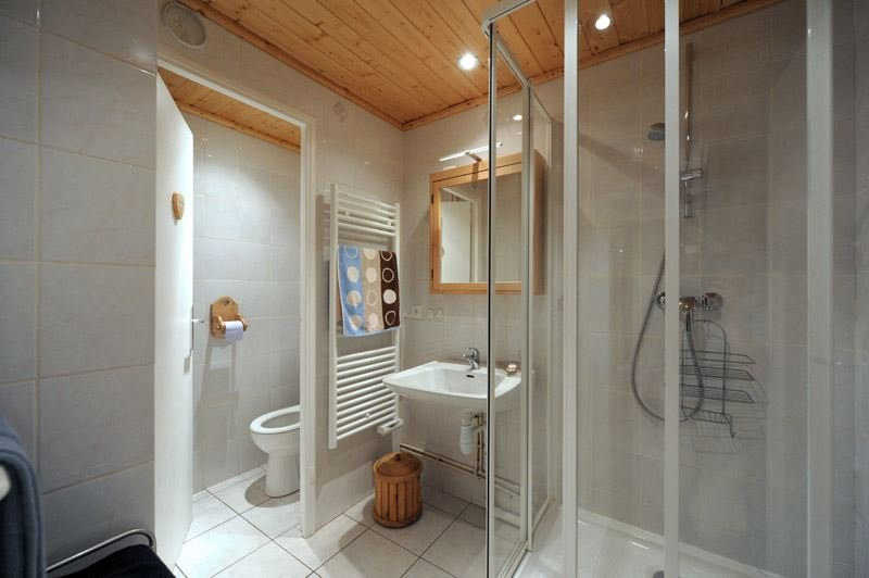 2 Rooms 6 Pers ski-in ski-out / LES LAUZES A5