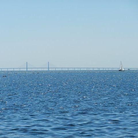 © Kävlinge kommun, Vy över Öresundsbron från hamnen