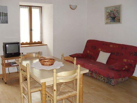 VLG222 - Appartement dans maison, à Génos