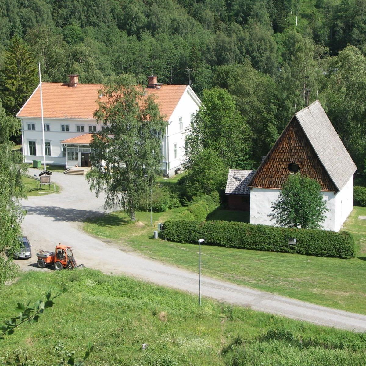 Startpunkt för Nipslingan: Turistgården med gamla kyrkan i Ramsele