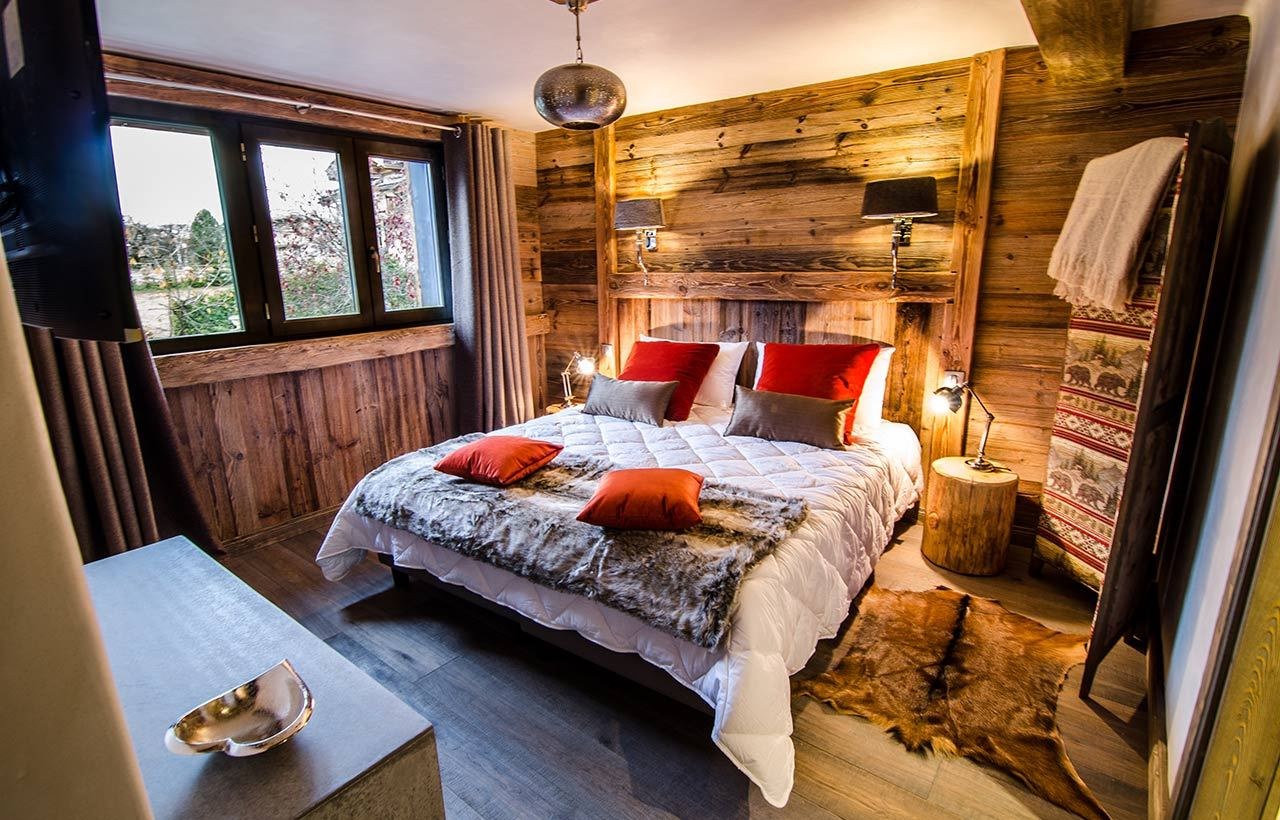 10 rooms 12 to 13 people / CHALET L ETAGNE (mountain of exception)