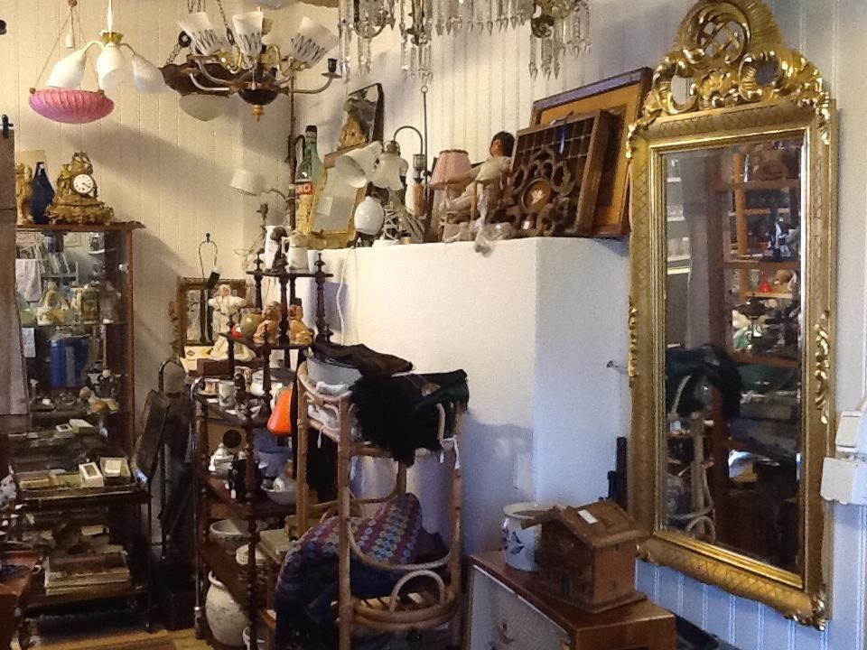 Röste Möbler & Prylar