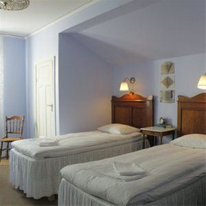 Large double room in the main building - Shared bathroom