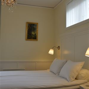 Double room in the main building - Private bathroom, tv & patio