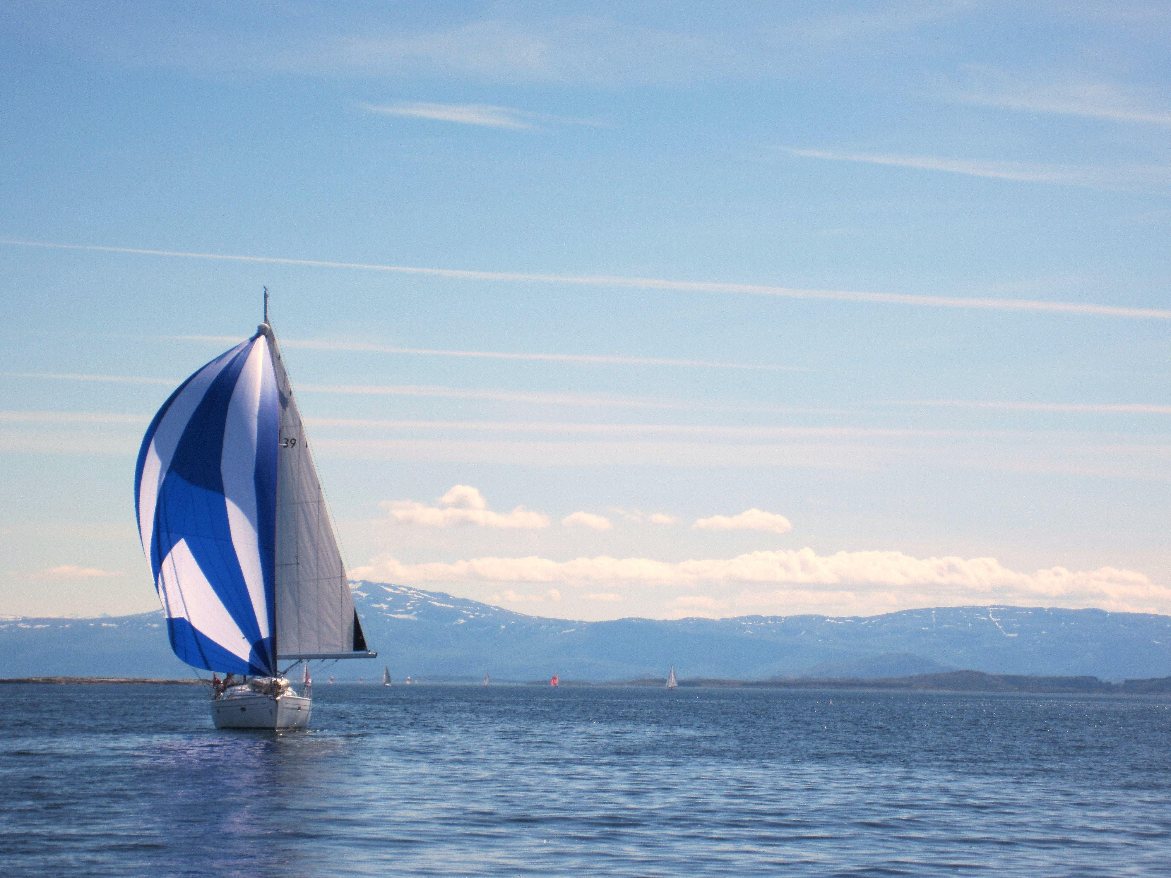 Sailing excursion with Arctic Circle Sail Charter