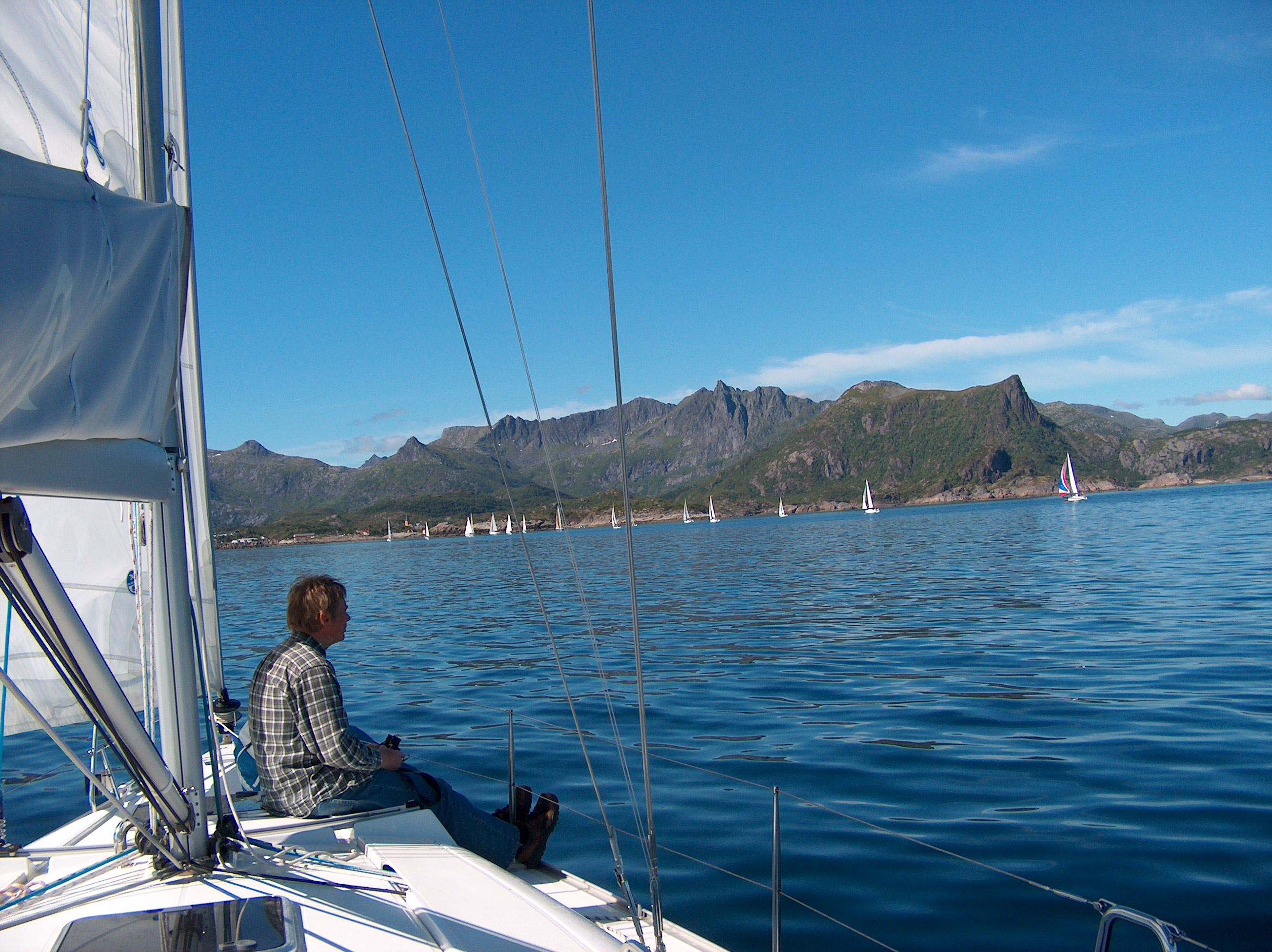 Sailing excursion with Arctic Circle Sail Charter