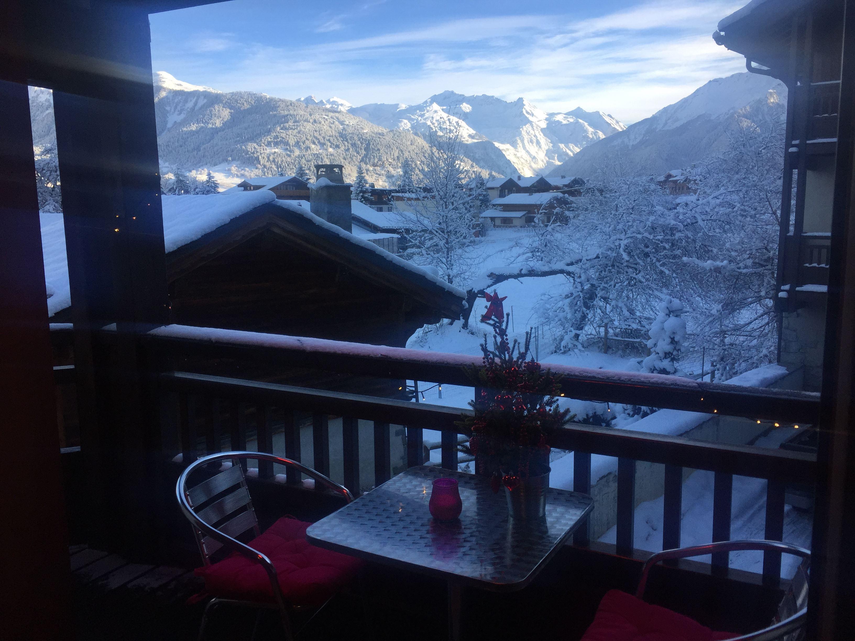 3 pièces 6 personnes skis au pieds / LES CHALETS DE LA JEAN BLANC L'HIVER VIENT (montagne de charme 4*)
