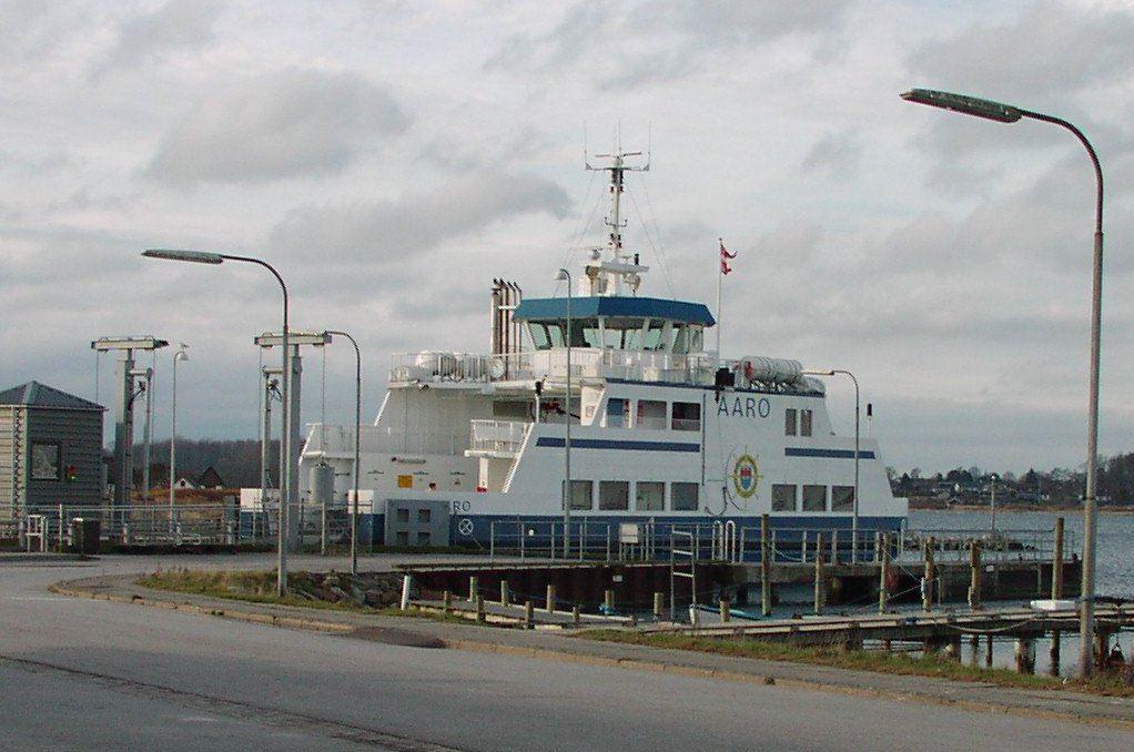 Færgebillet t/r fra Aarøsund-Aarø