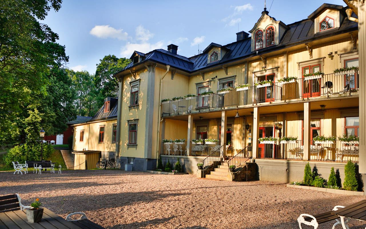 Hennickehammars Manor