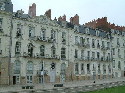 © lvan, immeuble allée turenne, île Feydeau à Nantes