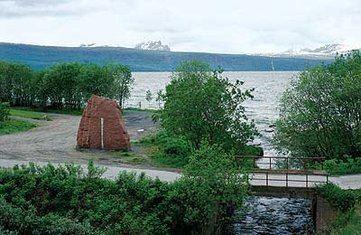 Søylen og Portalen, Narvik - Skulpturlandskap i Nordland