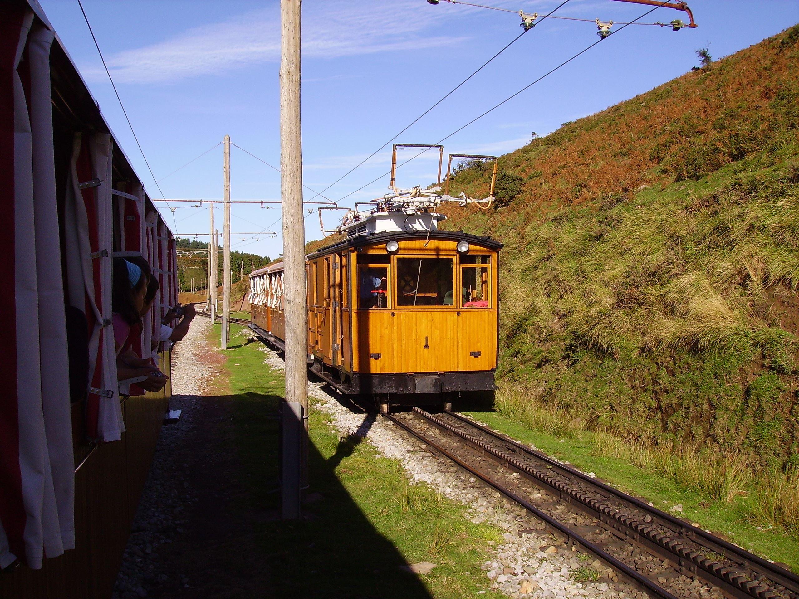 Tren de Larrun