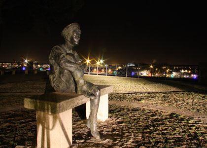 © lvan, monument à Jules Verne, Butte Sainte Anne à Nantes