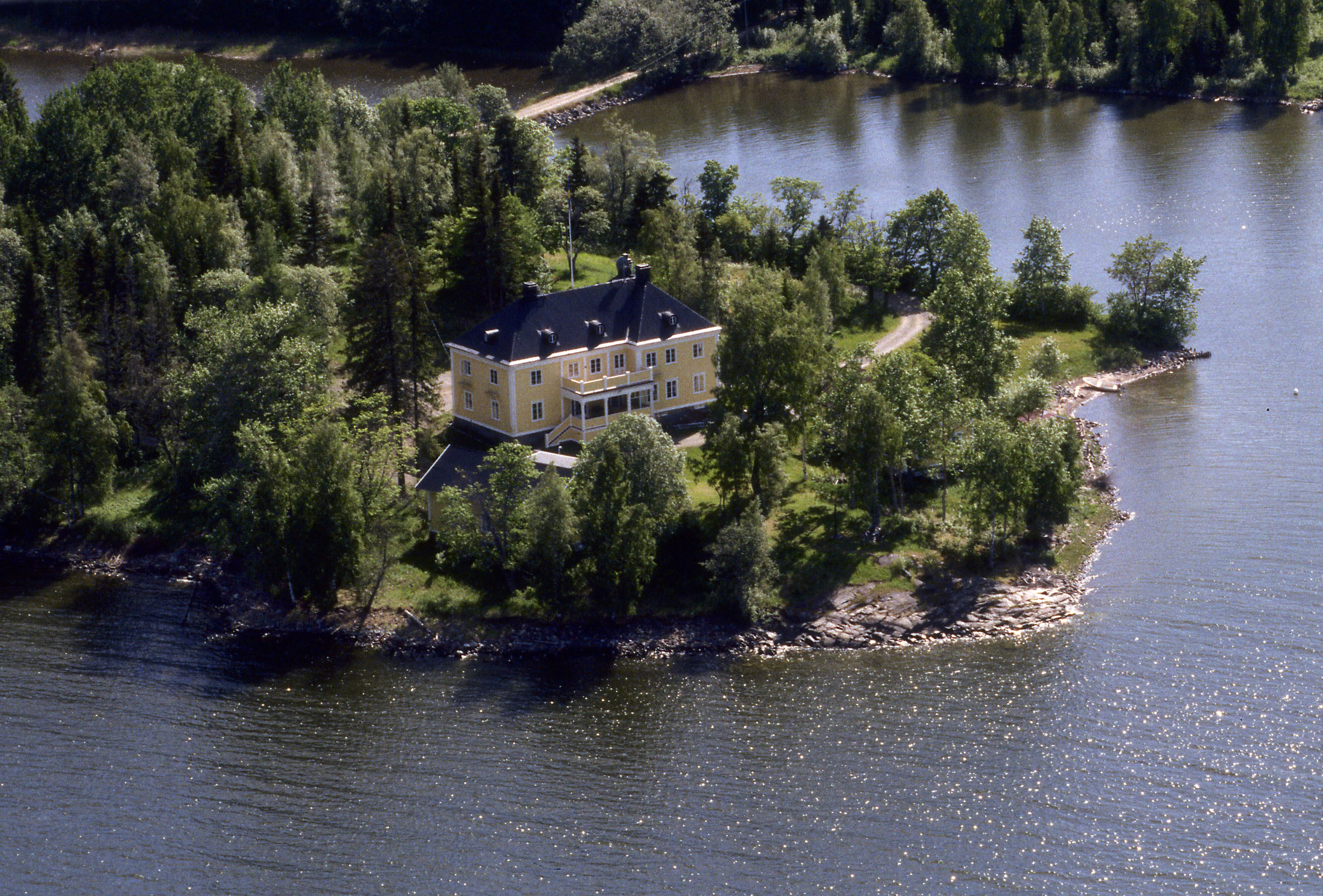 Salsåker Herrgård - High Coast Manor