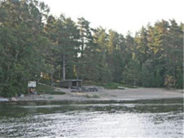 Klubbviken gästhamn, Tunaolmen