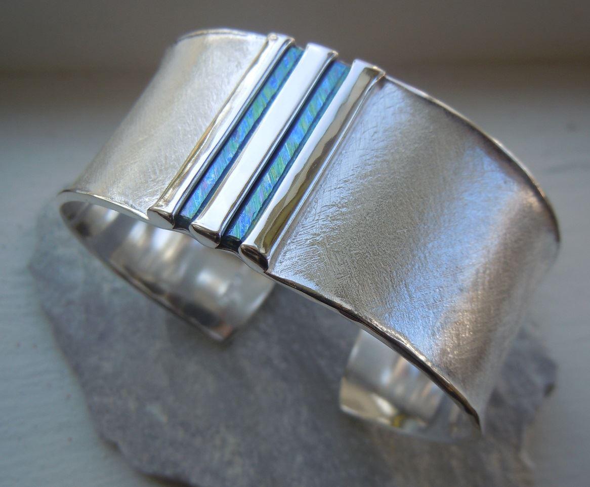 Armband med titanstavar